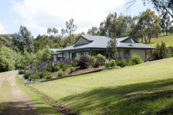 Couples Rural Bliss - 10 Minutes from Hobart CBD 12
